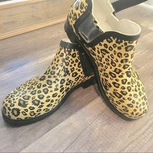 Shoes - Cheetah Print Ankle Rain Boots Size M
